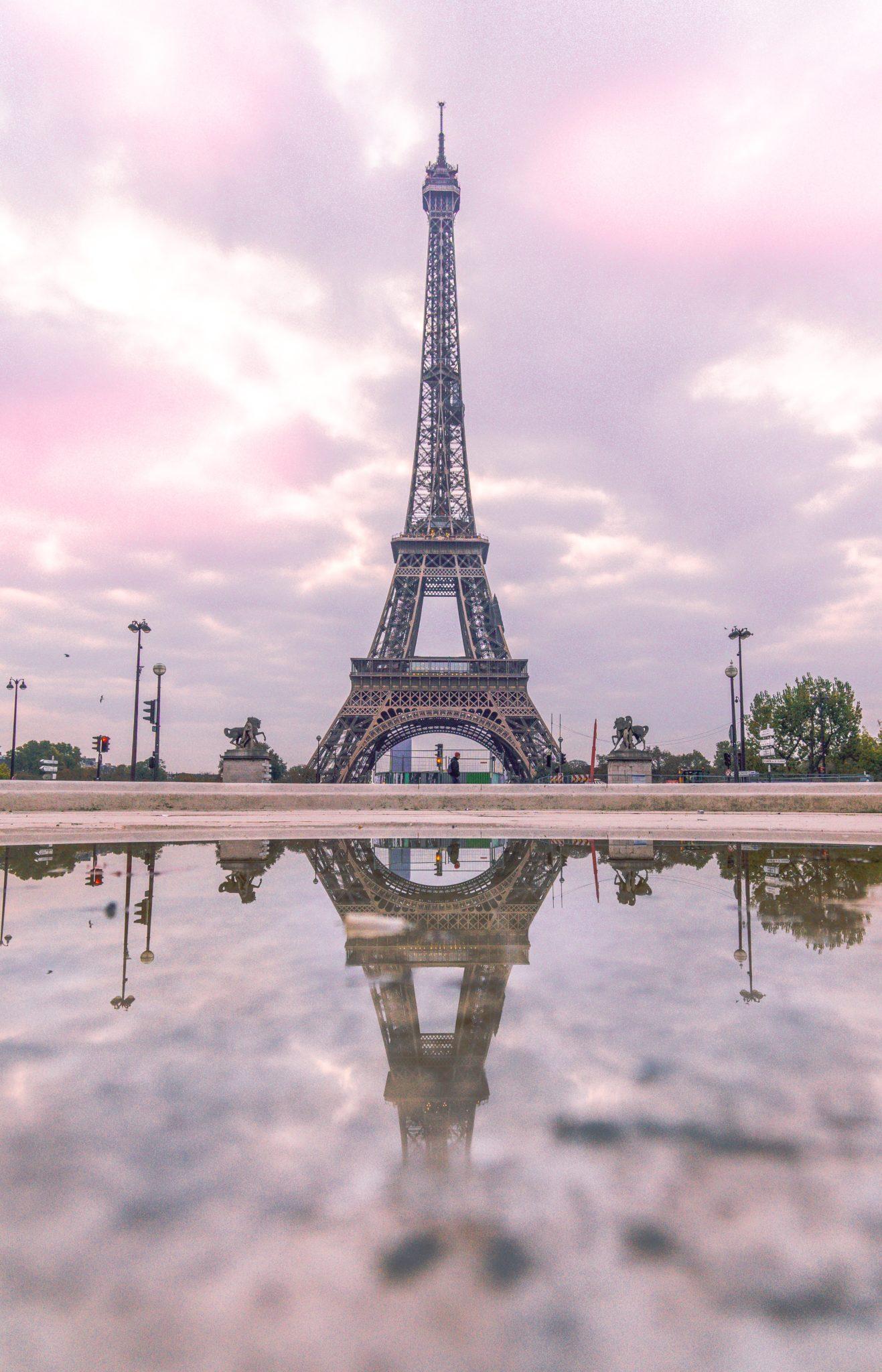 eiffel_tower_reflection.jpg