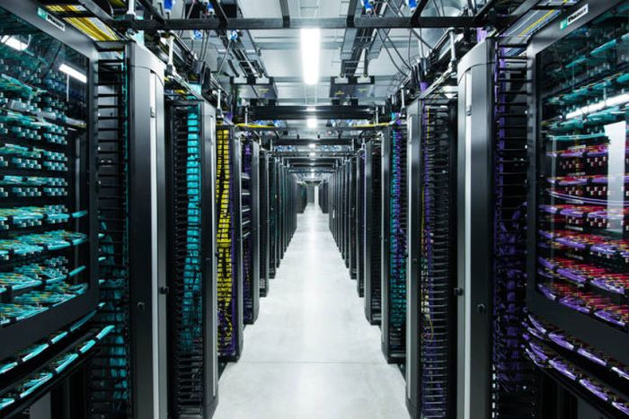facebooks_data_center_on_the_edge_of_the_arctic_circle_05.jpg