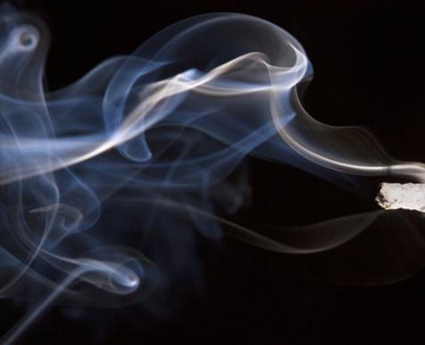 nikotin_cigaretta_fust_dohanyzas_1.jpg