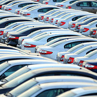 Egymillióval több autó két évtized alatt