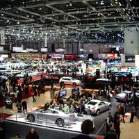 Gömbölyödik a járműpiac