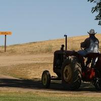 Taroltak a traktorok
