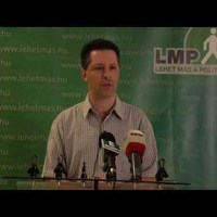 Határozati javaslatot nyújt be az aktanyilvánosság ügyében Schiffer András