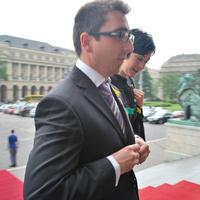 Scheiring Gábor országgyűlési képviselő úr morog a bajsza alatt ...