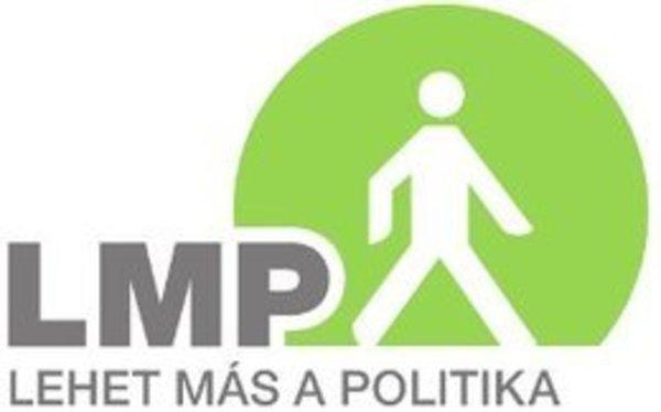 Az LMP Vas Megyei Szervezete a szombathelyi Critical Mass-on.