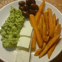 Könnyed mediterrán vacsora avokádóval a középpontban