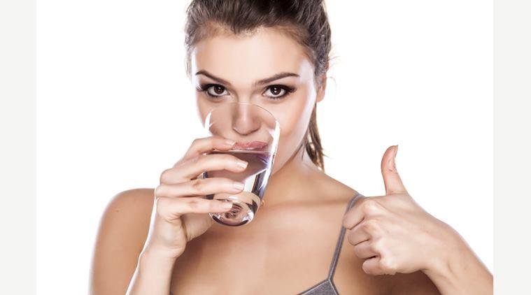 7 tipp, hogy elég vizet igyál a kánikulában