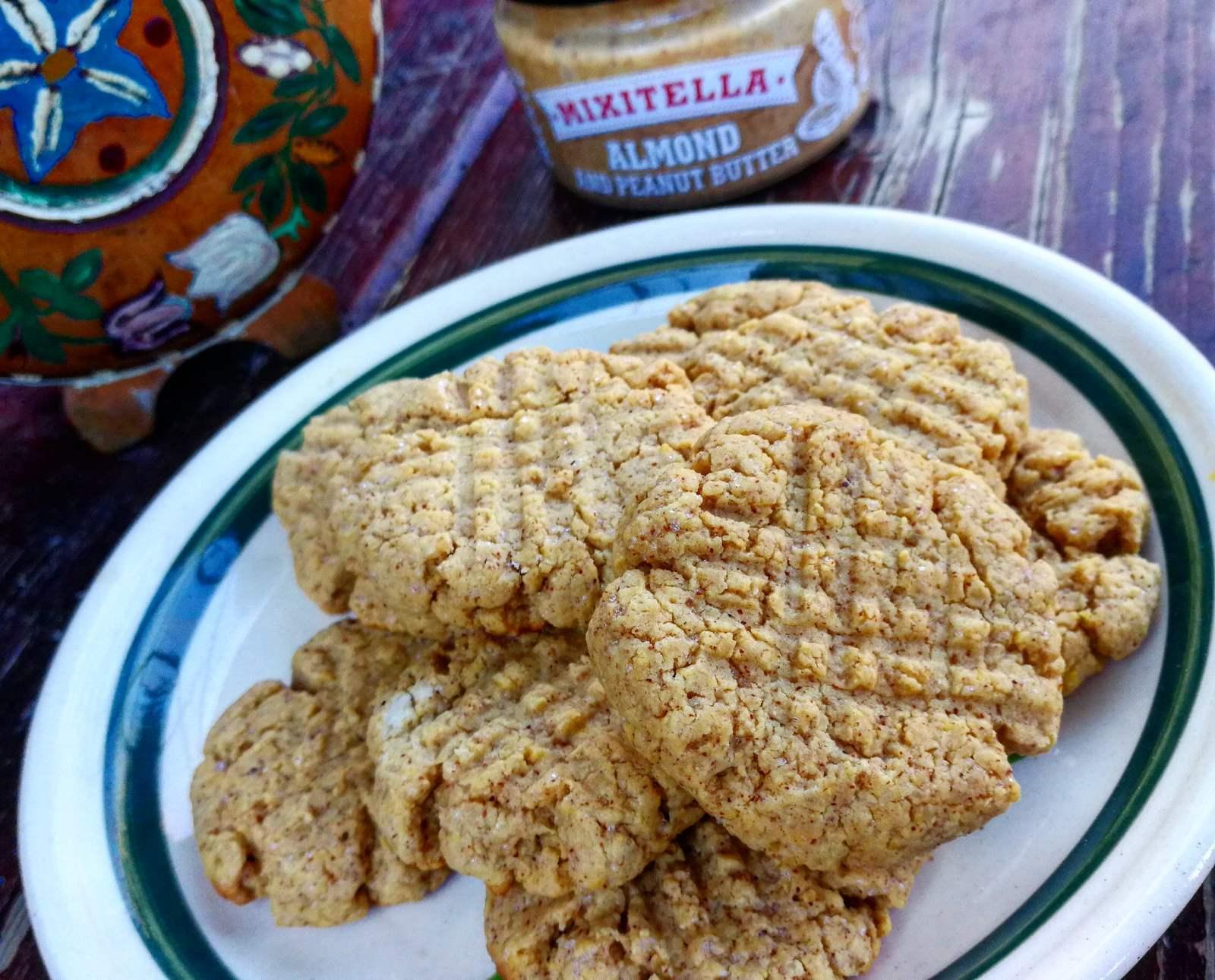 10 perces glutén és tejmentes mandulavajas keksz