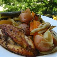 Serpenyős csirke vegyes sült zöldségekkel