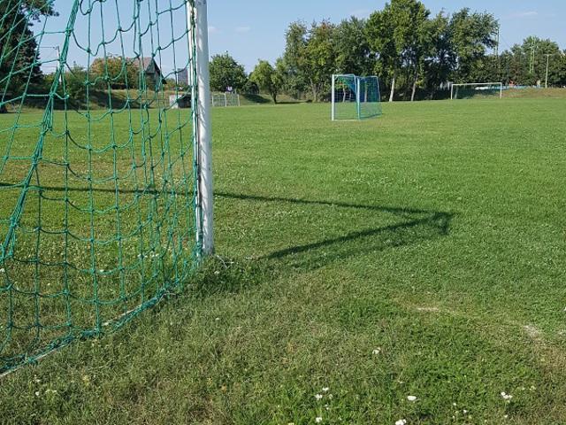 Újabb százmilliók már létező focipályákra