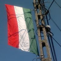 Gyűrött zászlókkal ünnepeljük Augusztus 20-át