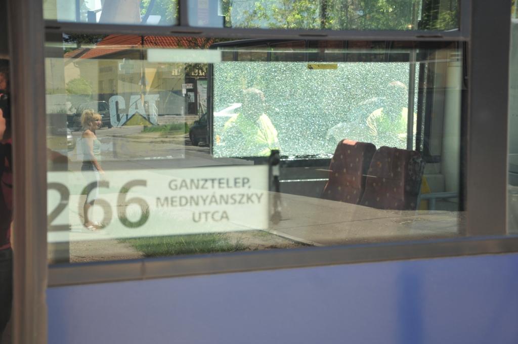 266 busz kicsi.jpg