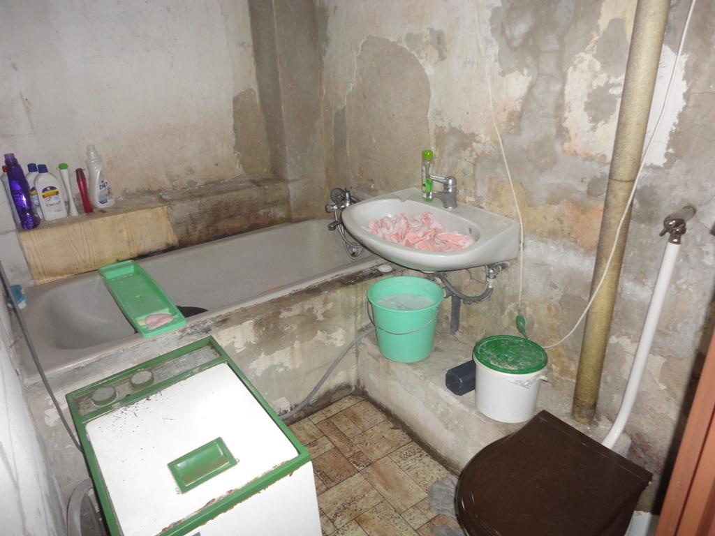 fáy 2 fürdőszoba 2 kicsi.jpg