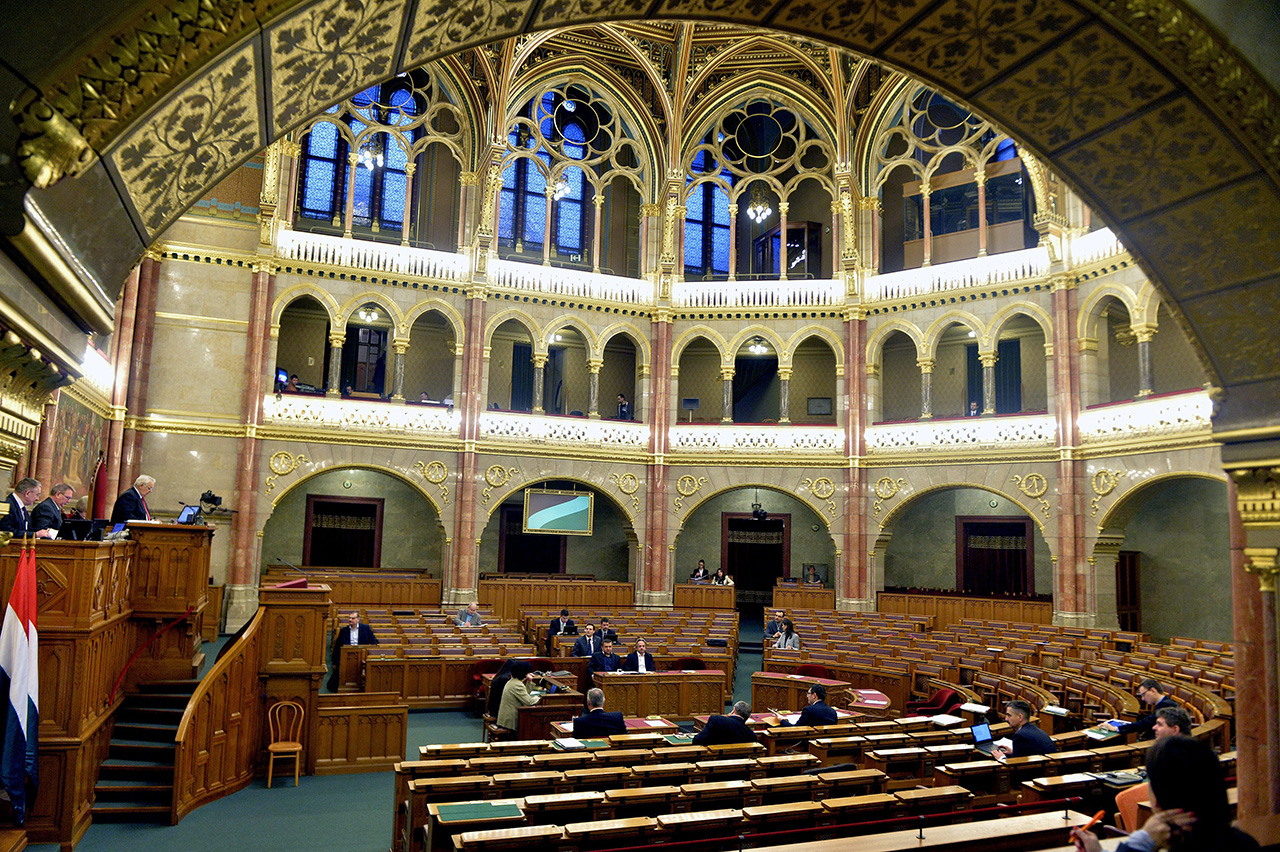 parlament9.jpg