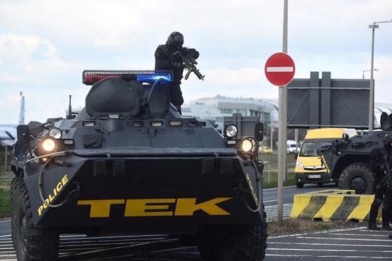 tek_tank.jpg
