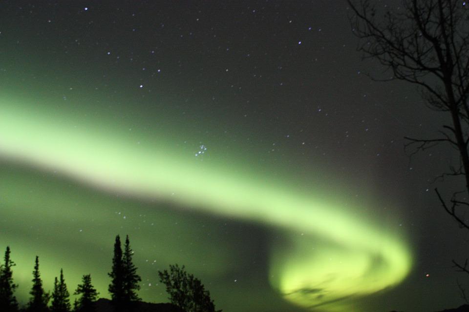 aurora-borealis-2008258_960_720.jpg