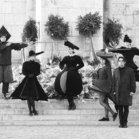 Fekete nejlonból készült csipkeruha – Interjú Almási J. Csaba fotográfussal