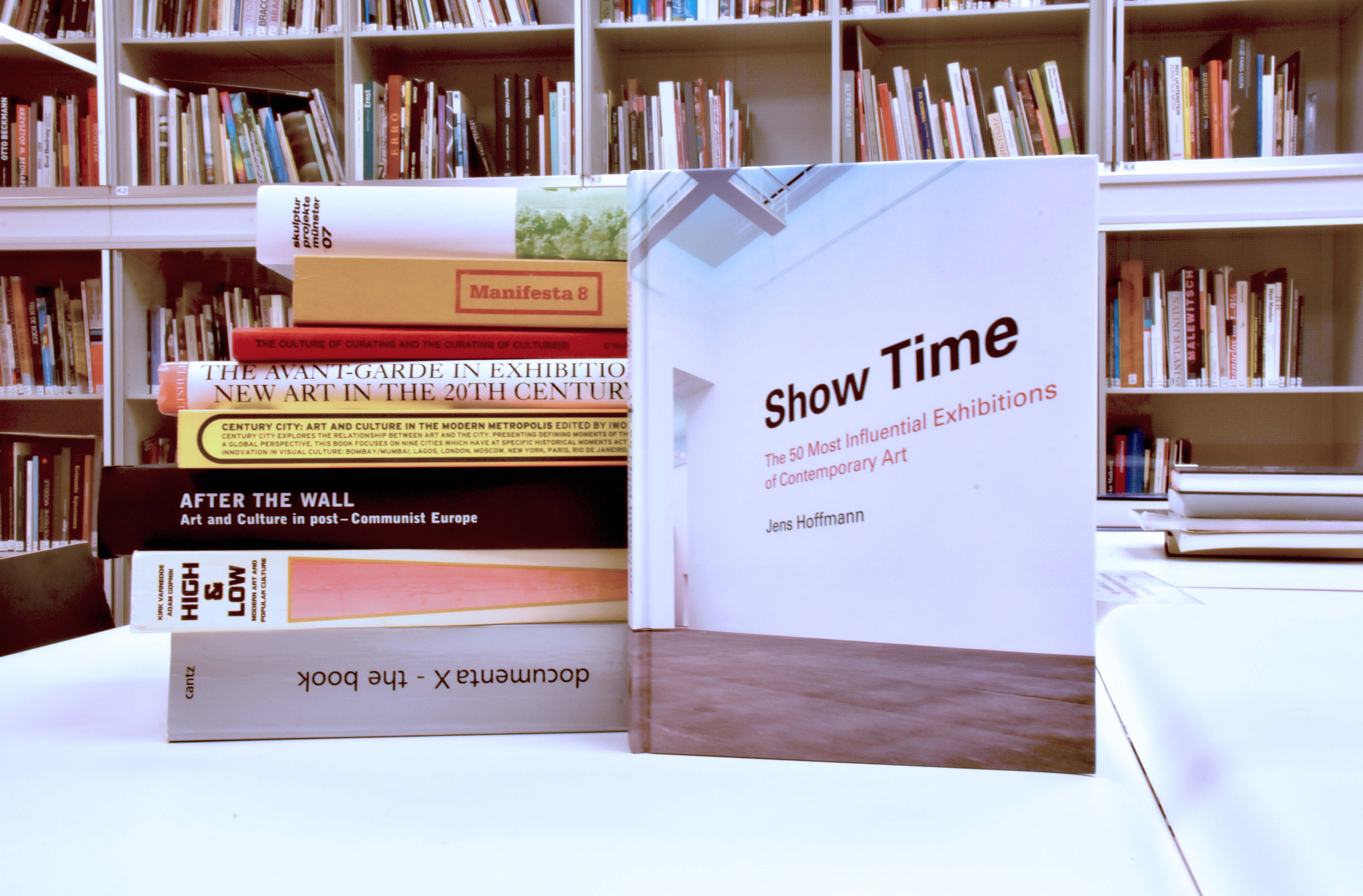 Show Time: Az ötven legbefolyásosabb kortárs művészeti kiállítás
