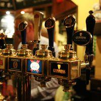 Egyesül a világ két legnagyobb sörgyártója?