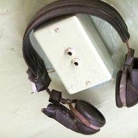 Bilincs helyett mikrofon – a börtönrádiók térhódítása