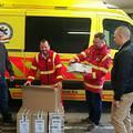 Civilek jóvoltából kaptak új bakancsokat az érdi mentők