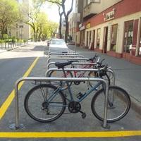 Kerékpártárolók a Városháza mellett