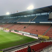 Akar-e futball arénát  a Mediterrán-lakópark mellé?