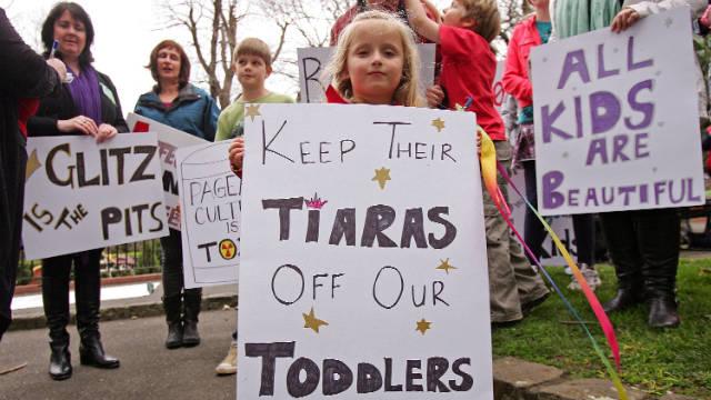 110913044057-toddler-tiara-protest-story-top.jpg