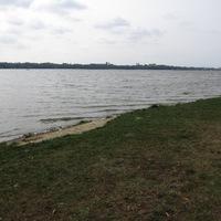 Tatán a tó körül