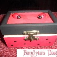 Katicás doboz