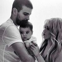 A nap fotója: Piqué, Milan és Shakira