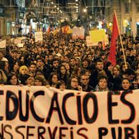 10.000 egyetemista Barcelona utcáin