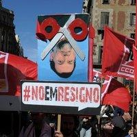 Demonstráció a munkanélküliség, a korrupció és a megszorítások ellen