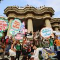 Tüntetés a Güell parkban