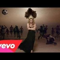 Shakira klipben a Barcelona sztárjai
