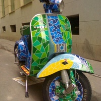Gaudí ihlette robogó