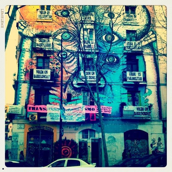 edificio-colorido-en-el raval.jpg