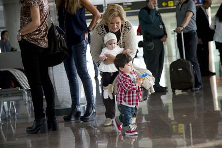 familia-en-el-aeropuerto-02.jpg
