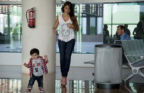 familia-en-el-aeropuerto-03.jpg