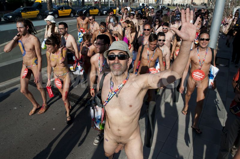 naked-party-02.jpg