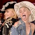 """Madonna és Miley Cyrus: """"Don't Tell Me/We Can't Stop"""" (MTV Unplugged) [képek és videó]"""