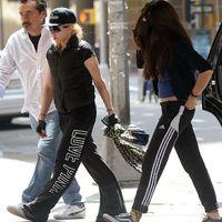 Madonna és Lourdes a New York-i Kabbala Központnál