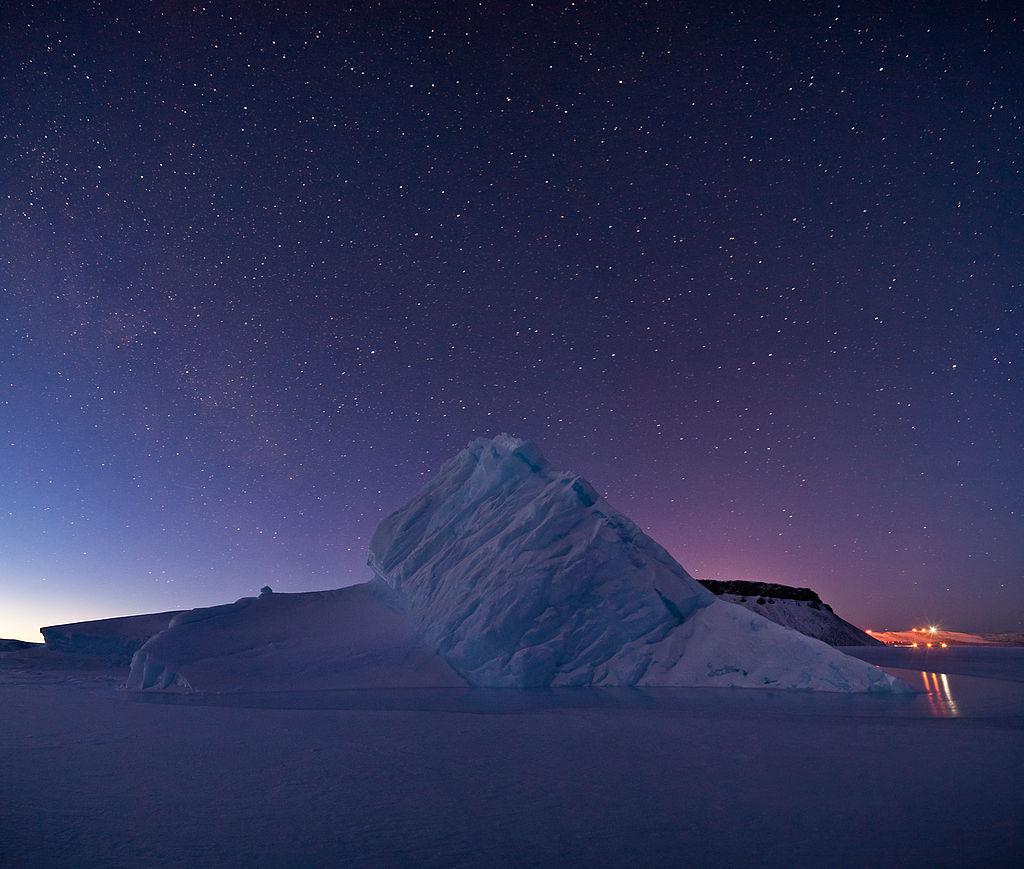 iceberg_in_north_star_bay_greenland.jpg