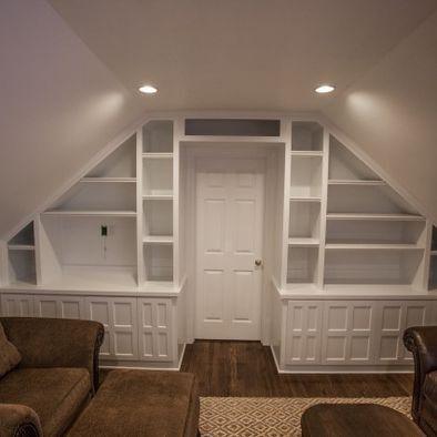 Térelválasztónak is ideális dupla oldalasan, pedig mindkét szobának jól funkcionál.