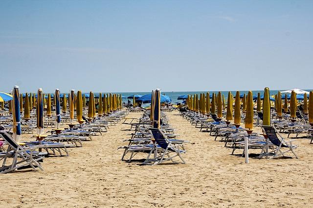 beach-4103039_640.jpg