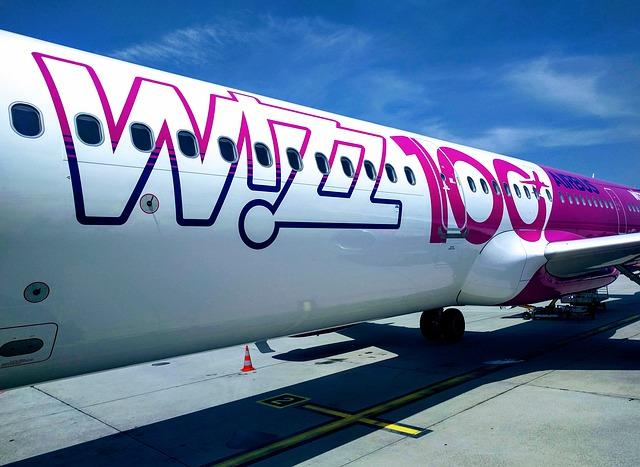 airplane-4495618_640.jpg