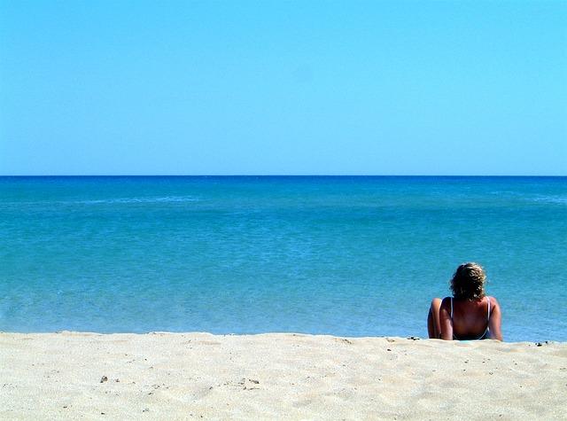 beach-1676796_640.jpg