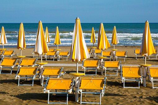 beach-4304689_340.jpg