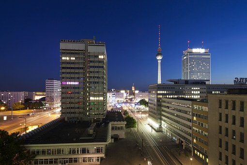 berlin-951616_340.jpg