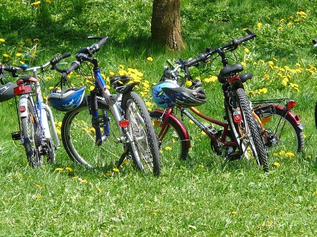 bicycles-6895_640.jpg